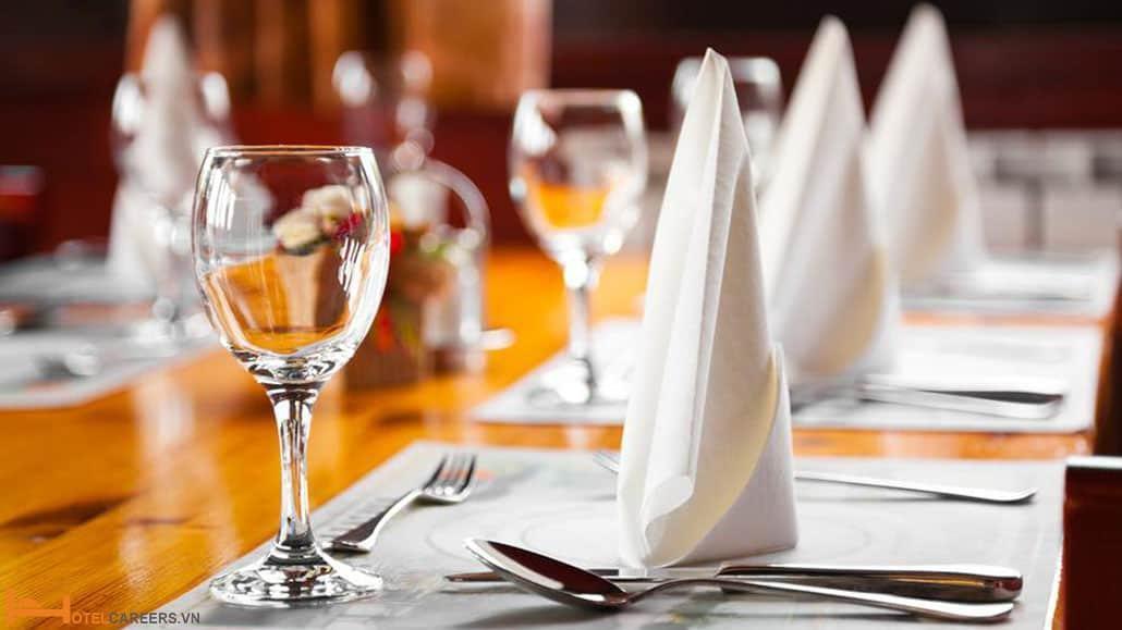 Cách giải quyết các vấn đề xảy ra trong quá trình đặt bàn tại nhà hàng