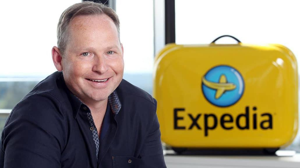 Giám đốc điều hành Tập đoànExpedia Mark D. Okerstrom