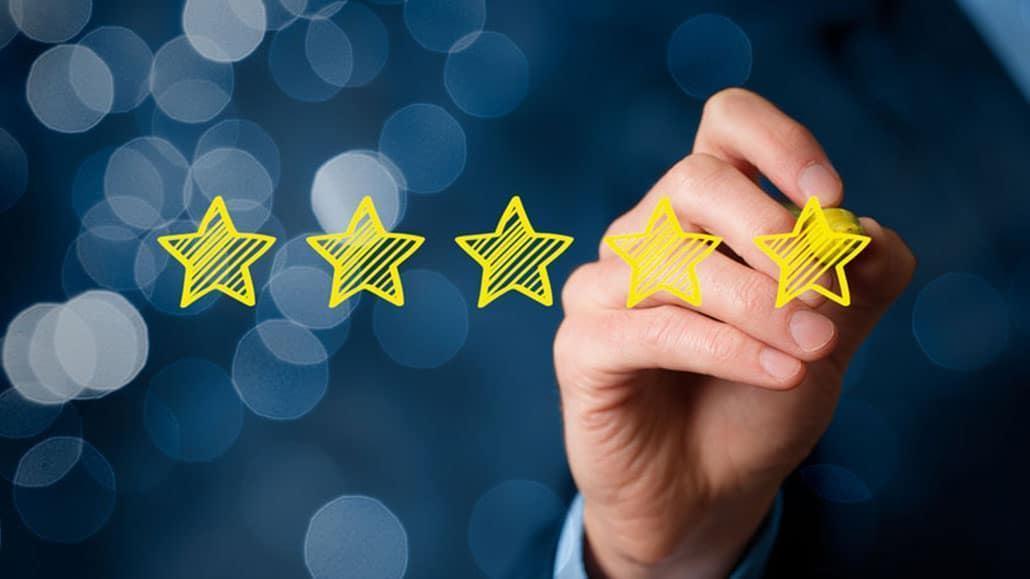Bài đánh giá trực tuyến về khách sạn