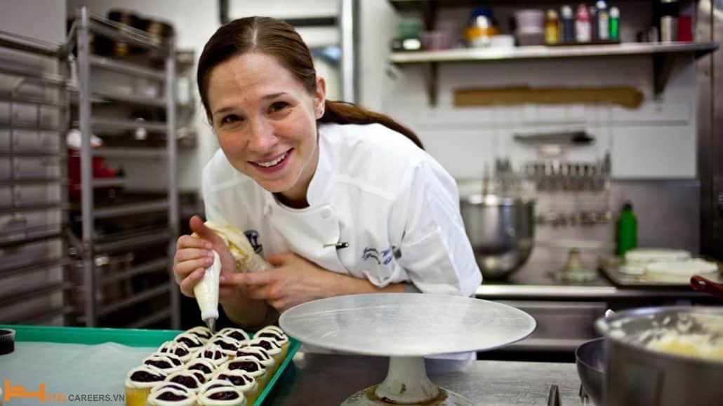 Pastry Chef - Bếp trưởng bếp bánh