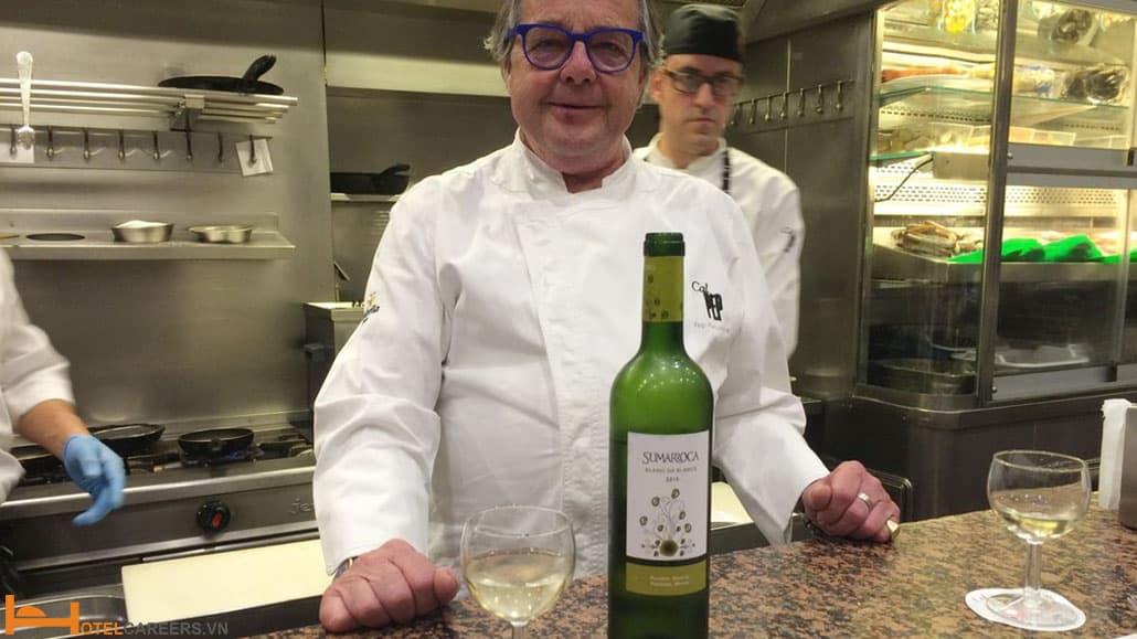 Cách phục vụ rượu vang trắng và đỏ