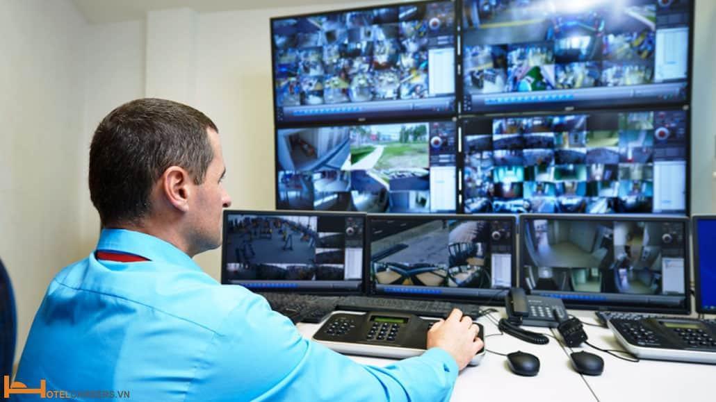 Công nghệ và thiết bị an ninh trong phòng khách sạn