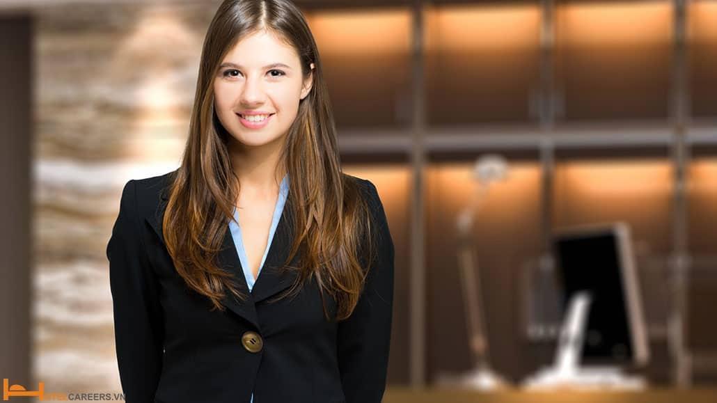 Hình ảnh nhân viên lễ tân khách sạn xinh đẹp