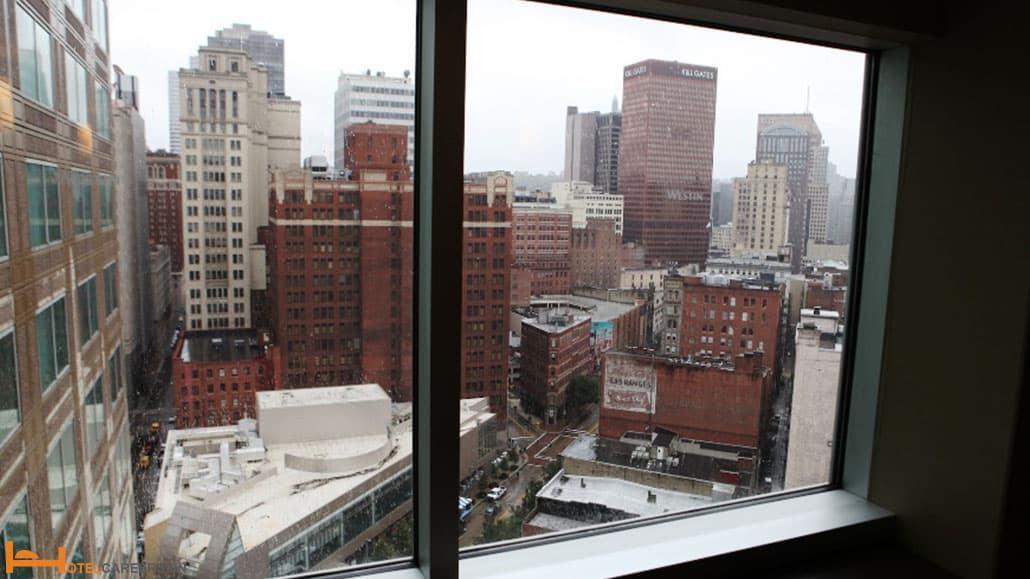 Kiểm tra toàn bộ các cửa sổ của khách sạn/ resort