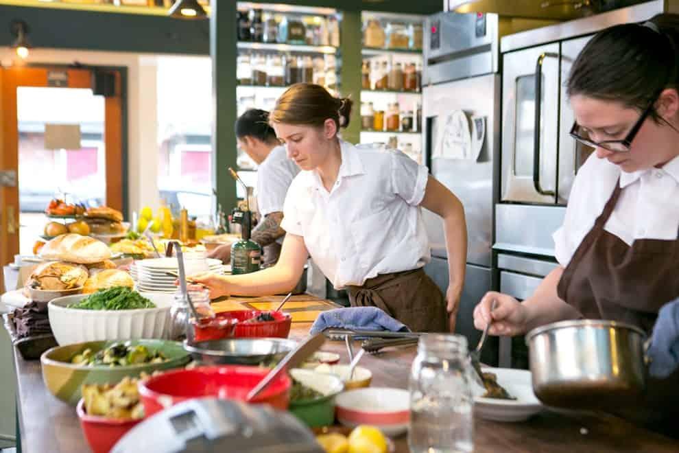 Tổ chức căn bếp cổ điển