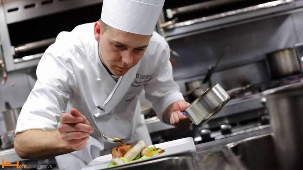 Demi Chef là gì?