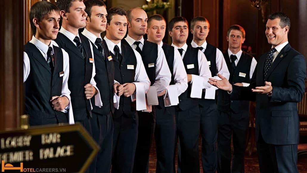 F&B Manager có trách nhiệm đào tạo nhân viên nhà hàng