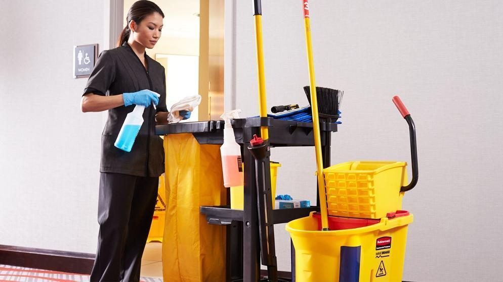 Giám sát công việc của nhân viên vệ sinh