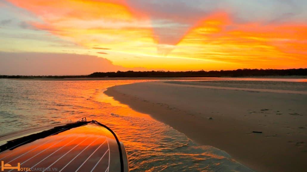 Hoàng hôn trên vịnh Byron Australia