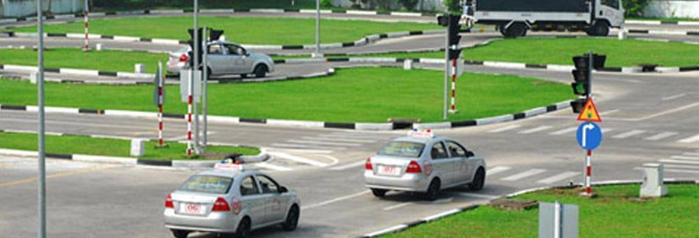 Học lái xe tại các trường lái