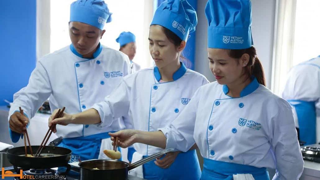 Trường Trung cấp nghề Quản lý khách sạn Việt Úc
