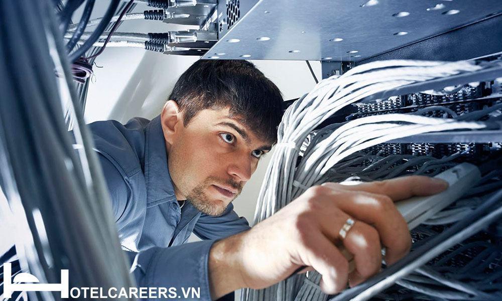 IT khách sạn kiểm tra các thiết bị mạng
