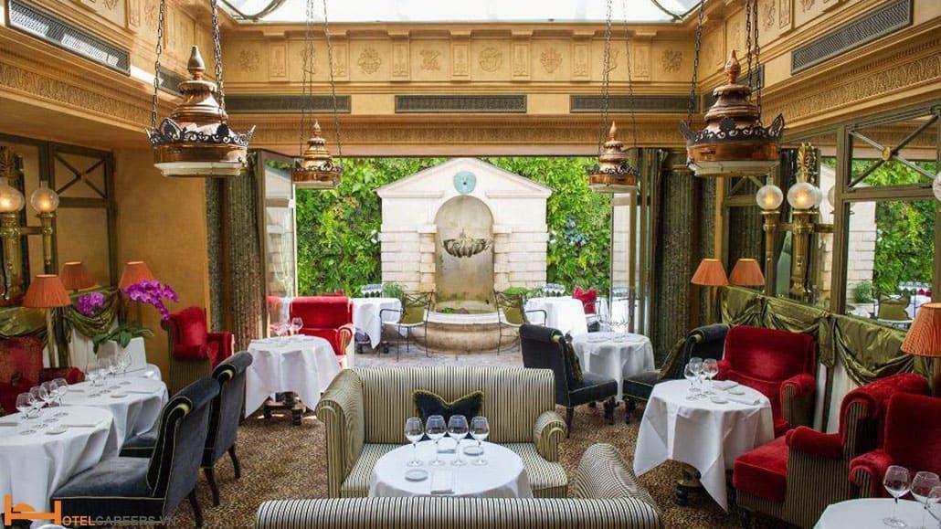 Khách sạn L'Hotel Paris