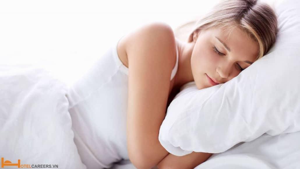 Ngủ thật đủ giấc trước khi lên xe