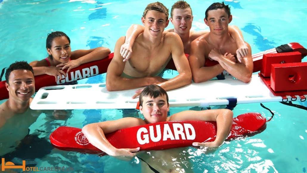 Nhân viên cứu hộ hồ bơi (Life Guard) cần tham gia các khóa huấn luyện cứu hộ