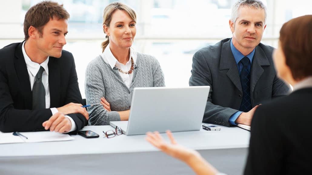 Điều kiện để sinh viên mới ra trường xin việc làm hiệu quả, thành công
