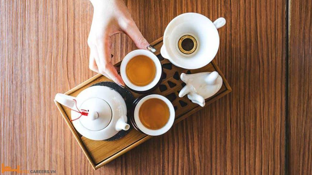 Phục vụ trà