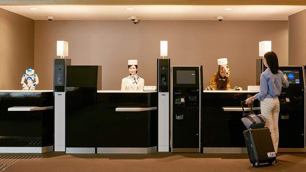 Robot khách sạn