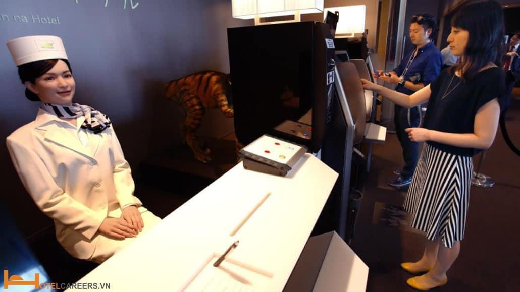 Robot lễ tân check in cho khách Sharer