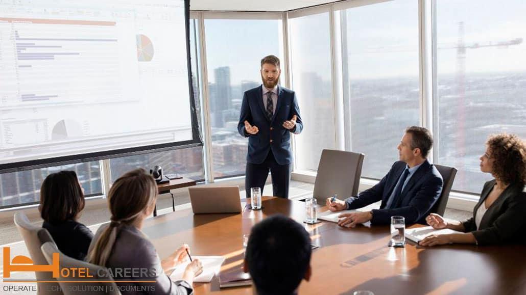 Sales coordinator thuyết trình bán hàng