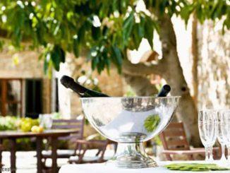 Tiêu chuẩn phục vụ rượu vang trắng