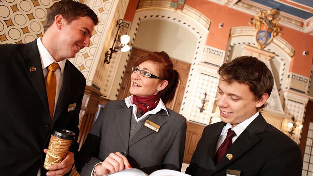 Nhà quản lý khách sạn cần có nhiều kinh nghiệm trong ngành