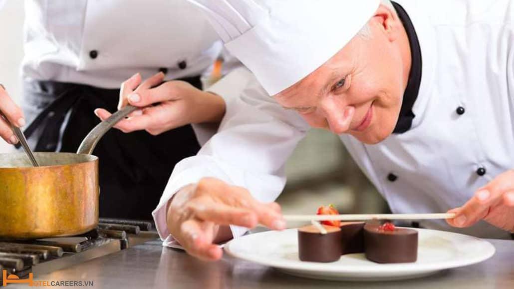 Xếp hạng cấp bậc của Pastry chef có giống với Sous chef