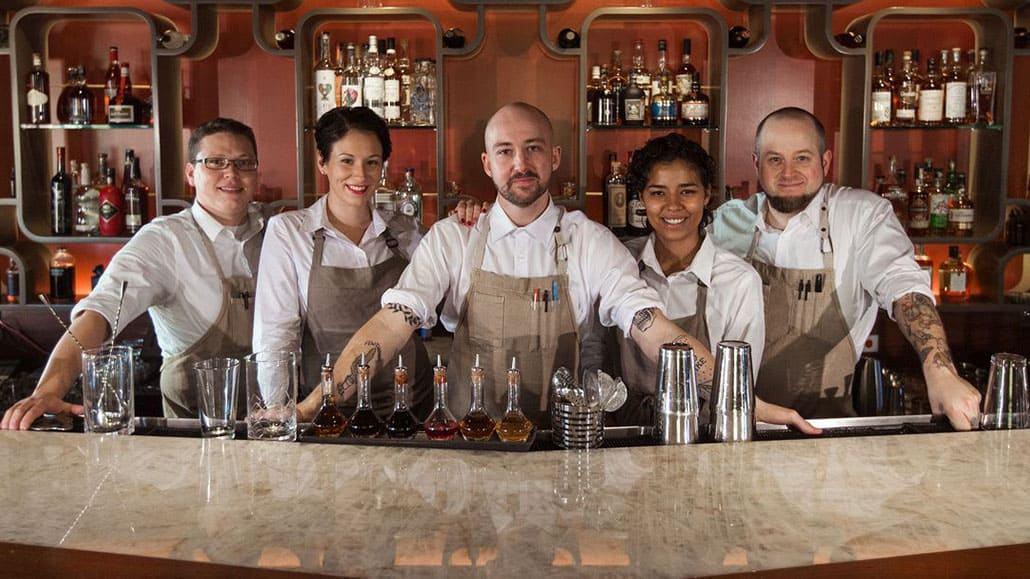 Tiếng Anh về chức vụ trong quầy bar